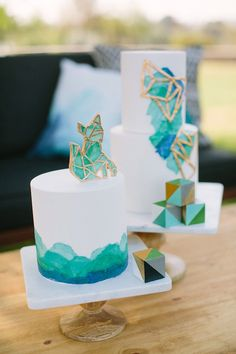 Bright, bold geometric baby shower by To La Lune Events | Joielala Photography | 100 Layer Cakelet