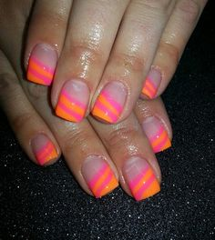Image via nail art orange Bright Nails, Neon Nails, Love Nails, My Nails, Pretty Nails, Pink Nails, Nail Art Orange, Orange Nails, Orange Pink