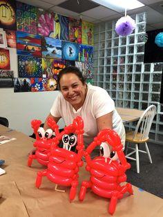 Balloon crab sculptures.  Irene Garcia