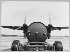 De Havilland Mosquito, World War Two, Lancaster, Caption, Ww2, Aviation, Two By Two, Aircraft, Wings
