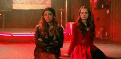 Riverdale Quiz, Riverdale Cast, Vanessa Morgan Hot, Cheryl Blossom Riverdale, Riverdale Fashion, Ian Somerhalder, The Cw, Lgbt, Tv Shows