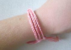 the red kitchen: Simple Braided Friendship Bracelet -- A Tutorial In 5 Easy Steps Embroidery Floss Bracelets, Diy Jewelry, Jewelry Making, Jewelery, Braided Friendship Bracelets, Bracelets With Meaning, Bff Bracelets, String Bracelets, Charms