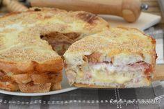 La Torta Rustica di pane e' la ricetta che utilizzo per fare la cena che tutti adorano a casa mia, compresa io perche' e' velocissima