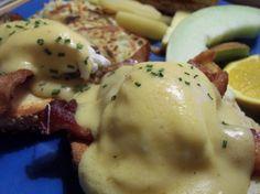 Salsa carbonara es una receta para 4 personas, del tipo , de dificultad Fácil y lista en 10 minutos. Fíjate cómo cocinar la receta.     ingredientes   - ¼ kg bacon  - 6 yemas huevo  - queso rallado  - aceite  - pimienta  - sal