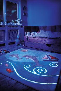 Tapis Kids Line ~ Glowy luminescent Bleu Spirit - Arte Espina Kids Pillows, Animal Pillows, Ocean Rug, Deco Marine, Childrens Rugs, Kids Line, Dark Carpet, Modern Kids, Modern Area Rugs