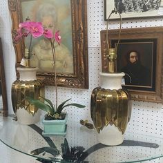 Mid century vintage antique mall booth downtown Nashville | Modern ...