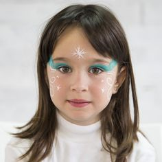 Una de las actividades más populares en las fiestas infantiles es el maquillaje de caras para niños. En Animarius tenemos animadoras infantiles que realizan rápidos y fáciles pintacaras a los niños, para que ninguno se vaya sin una bonita sonrisa dibujada en su cara.