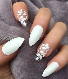 Manucure tendance automne hiver 2018 Vernis à ongles blanc et nail art fleur, facile à faire. Manicure trend fall winter 2018 White nail polish and nail art flower, easy to make. White Nail Designs, Colorful Nail Designs, Nail Art Designs, White Nails With Design, Nail Designs For Summer, Unique Nail Designs, Floral Designs, Cute Summer Nails, White Nail Art