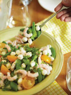Ricardo's recipe : Shrimp, Tomato, and Bocconcini Salad Ricardo Recipe, Pasta Salad, Salad Recipes, Entrees, Potato Salad, Shrimp, Brunch, Tasty, Salads