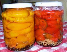 Așa faci cei mai buni gogoșari la borcan pentru iarnă! Nu se fierb, nu se sterilizează și nu explodează! - Bucatarul Romanian Food, Romanian Recipes, Pickling Cucumbers, Home Food, Preserves, Celery, Pickles, Cookie Recipes, Food And Drink