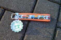 "Schlüsselband ""Baufahrzeuge"" von FrauGrasWieHeu13 auf DaWanda.com"