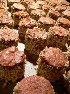 Vánoční dortíčky - brydova.cz Czech Recipes, Something Sweet, Christmas Cookies, Baking Recipes, Muffin, Food And Drink, Birthday Cake, Sweets, Meat