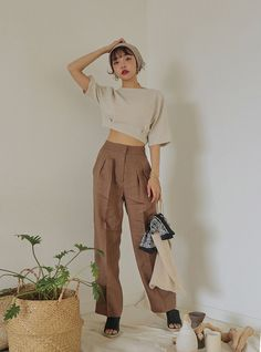 Fashion Tips Clothes .Fashion Tips Clothes Ulzzang Fashion, Asian Fashion, Look Fashion, Girl Fashion, Fashion Outfits, Fashion Trends, Korean Street Fashion Summer, Fashion Poses, 70s Fashion