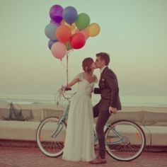 Funky retro touches and an adorable beachfront balloon photoshoot for this fun couple (and their party). Pics: Ladd & Lass