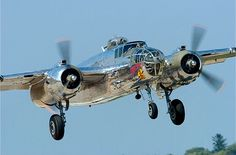 A North American Mitchell on a landing approach. Airplane For Sale, Nose Art, Air Show, Show Photos, Military Aircraft, Vintage Travel, Bud, Wwii, Landing