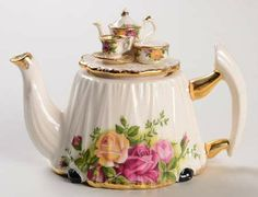 Royal Albert - Old Country Roses teapot                                                                                                                                                                                 More