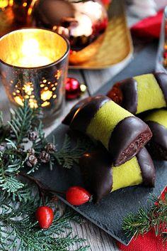 Illéskrisz Konyhája: ~ SVÉD PUNCSROLÁD ~ Christmas Cakes, Advent, Food And Drink, Table Decorations, Xmas Cakes, Christmas Pies, Dinner Table Decorations, Center Pieces