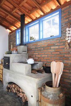 Cob House Interior, Kitchen Interior, Kitchen Design, Outdoor Wood Fireplace, Home Fireplace, Outdoor Cooking Area, Diy Outdoor Kitchen, Dirty Kitchen, Kitchen Stove