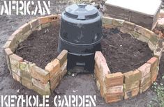 African keyhole garden... Must implement this in my new home that hopefully has space for a garden!!