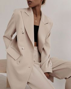 Fashion Tips Outfits .Fashion Tips Outfits Look Fashion, Fashion Outfits, Fashion Tips, Fashion Design, Fashion Trends, Ladies Fashion, Hijab Fashion, Korean Fashion, Girl Outfits