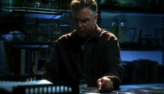 Jorja Fox and William Petersen in CSI: Crime Scene Investigation (2000)
