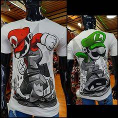 No hay descripción de la foto disponible. Camisa Floral, Cali Colombia, Tee Shirts, Tees, Looney Tunes, Mario Bros, Tee Design, My Boys, Boy Outfits