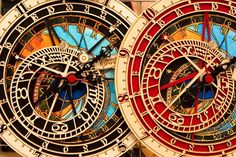 franklymydearijustdontgiveadamn:    astronomical clock in Prague, Czech Republic
