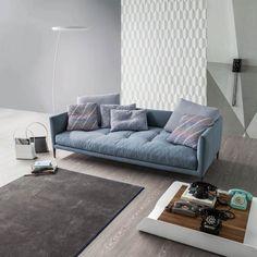 Divano di design in stile nordico Coral, con cuscini di dimensioni ...