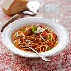 Sausage spaghetti | Pasta recipes | Red Online