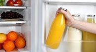What's in your fridge vs. what's in a nutritionist's fridge: How to eat healthy every day? Get Healthy, Healthy Recipes, Eating Healthy, Healthy Fridge, Clean Fridge, Fast Recipes, Chef Recipes, Healthy Tips, Healthy Foods