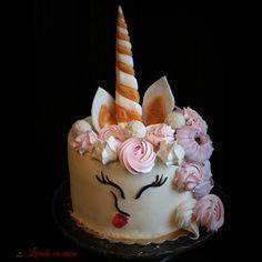 #cake #unicorn #unicorncake #rainbow #tort #tortunicorn #glutenfree #macarons #premium #natural #ingredients #nopremix #bakedwithlove #paulamoldovan #livadacuvisini #special #order #linkinbio Macarons, Glutenfree, Unicorn, Sweets, Rainbow, Cakes, Natural, Desserts, Food