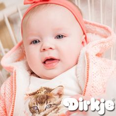 Wie is schattiger, de kitten of het meisje. Wij weten het wel. Bekijk deze mooie outfit in de Dirkje wintercollectie 2016/2017♥ #dirkje #babykleding #wintercollectie #kitten #dirkjebabywear #meisje