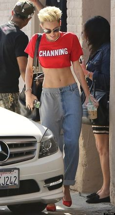 Miley Cyrus As we mentioned Miley Cyrus is probably the biggest crop-top lover in Hollywood. We guess it has something to do with how fit she is and how tiny her midriff is, so the girl likes showing it off. Miley loves pairing barely-there crop tops with baggy jeans.