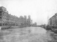 Paris petit pont La crue de la Seine à Paris en 1910   Waterflooding in Paris 1910