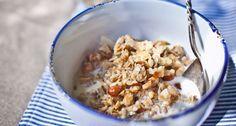Mandulás-diós müzli recept | APRÓSÉF.HU - receptek képekkel Breakfast Smoothies, Breakfast Recipes, Granola, Cereal, Oatmeal, Seeds, Dios, The Oatmeal, Rolled Oats