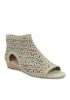 c22377c7c4b5 Tahari Candy Peep Toe Sandal