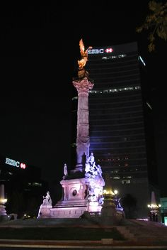 Ángel de la Independencia de noche