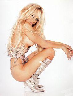 Pamela Anderson a sus 45 / Lovecat Magazine