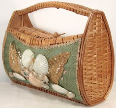 Vintage 1960s Wicker Purse with Sea Shells