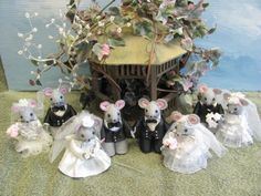 Personalized Wedding Cake Topper - Handmade Mouse Figurine - Keepsake Available at   http://www.artfire.com/ext/shop/studio/MumseysMouseHouse