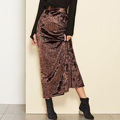 High Waist Split Skirt – streetstyletrends styles skirts skirt and top outfits skirt shoes winter skirt outfits Womens Maxi Skirts, Long Skirts For Women, Long Maxi Skirts, Skirt And Top Set, Skirt Set, Moda Streetwear, Rapunzel Dress, Split Skirt, Velvet Skirt