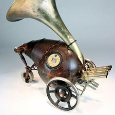 The Hammered Steel & Found Object Sculptures of Greg Brotherton Steampunk Robots, Found Object Art, Junk Art, Unusual Things, Magazine Art, Metal Art, Sculpture Art, Art Projects, Character Design