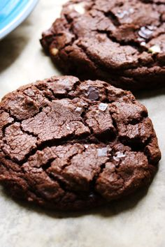 With white chocolate, chocolate chips, AND cocoa powder these double (and by double I mean triple) chocolate cookies are a chocolate lover's dream! Apple Recipes, Baking Recipes, Cookie Recipes, Dessert Recipes, Desserts, Triple Chocolate Cookies, Melting Chocolate, Chocolate Chocolate, Cinnamon Roll Cookies
