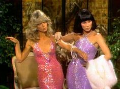 Farrah Fawcett and Cher in Bob Mackie gowns playing mannequins in a sketch on The Sonny & Cher comedy hour. 70s Inspired Fashion, 70s Fashion, Vintage Fashion, Fashion Outfits, Paper Fashion, Studio 54 Fashion, Fashion Art, Fashion Pics, Korean Fashion