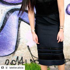 Merci @latelier.alicia pour cette superbe version de ma #jupenina ! Plus de photos sur son blog  #coutureaddict #couturelife #sewing #faitmain #diycouture #diy #patroncouture #sewingaddict #couture #jupe