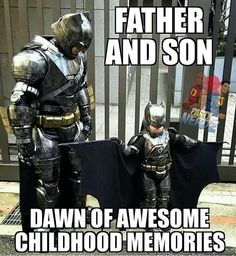 Father and son Batman cosplay Robin, Batman Cosplay, Dc Memes, Batman Family, Best Cosplay, Awesome Cosplay, Batman And Superman, Marvel Dc Comics, Gotham