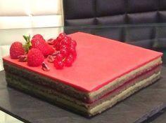 opéra pistaches fruits rouges framboises fraises crème au beurre biscuit joconde gelée