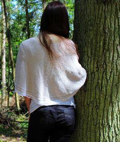Půlkruhový šal je pletený z akrylové příze která svým vzhledem připomíná bavlnu. Turtle Neck, Pullover, Sweaters, Fashion, Moda, Fashion Styles, Sweater, Fashion Illustrations, Sweatshirts