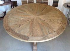 Preciosa mesa redonda para comedor Tapa de color nogal y pie color ...