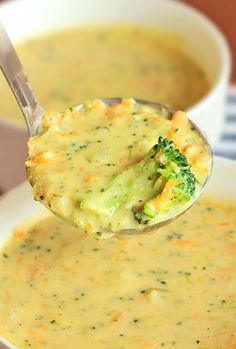 Homemade Panera Broccoli Cheese Soup Comfort in a bowl! Wanna round it out into a full meal? Serve this Homemade Panera Broccoli Cheese Soup in a bread bowl! Cat Recipes, Crockpot Recipes, Cooking Recipes, Recipies, Pumpkin Recipes, Vegetarian Recipes, Broccoli And Cheese, Cheesy Broccoli Soup, Brocolli Cheese Soup Panera